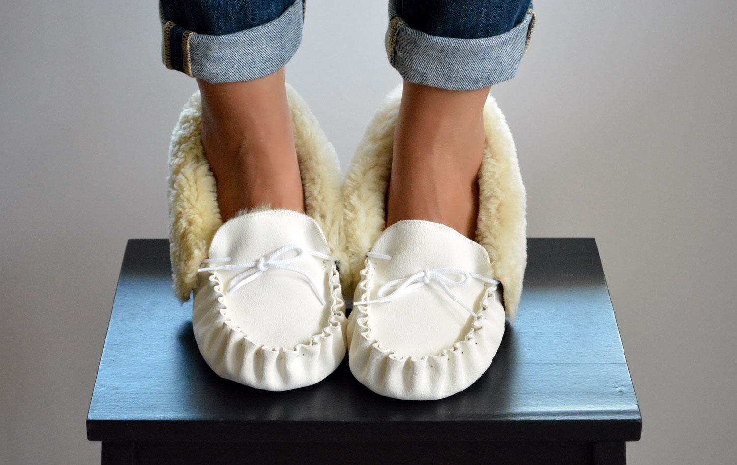874a1f42c1c The Moccasin Slippers for Women. Handmade White leather shoe Moccasin  slippers for women